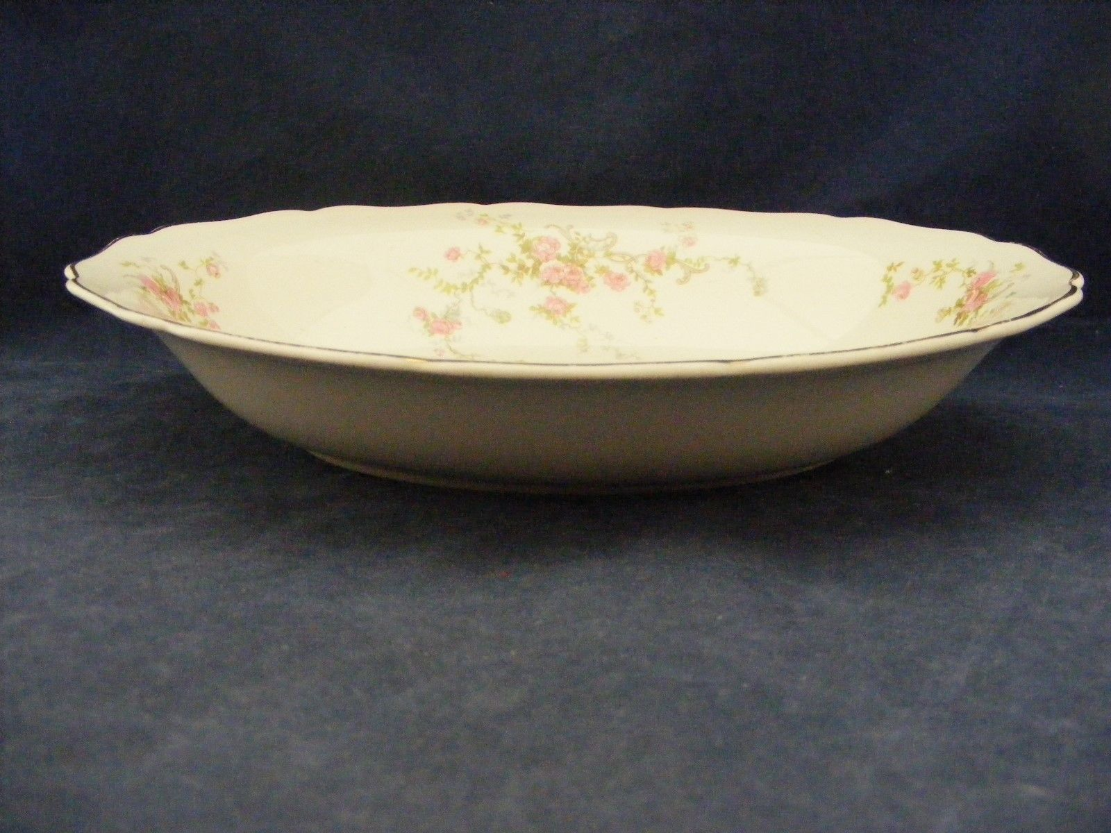"Canonsburg Pottery Keystone Pink Roses Gold Trim 9.25"" x 7"" Oval Serving Bowl"