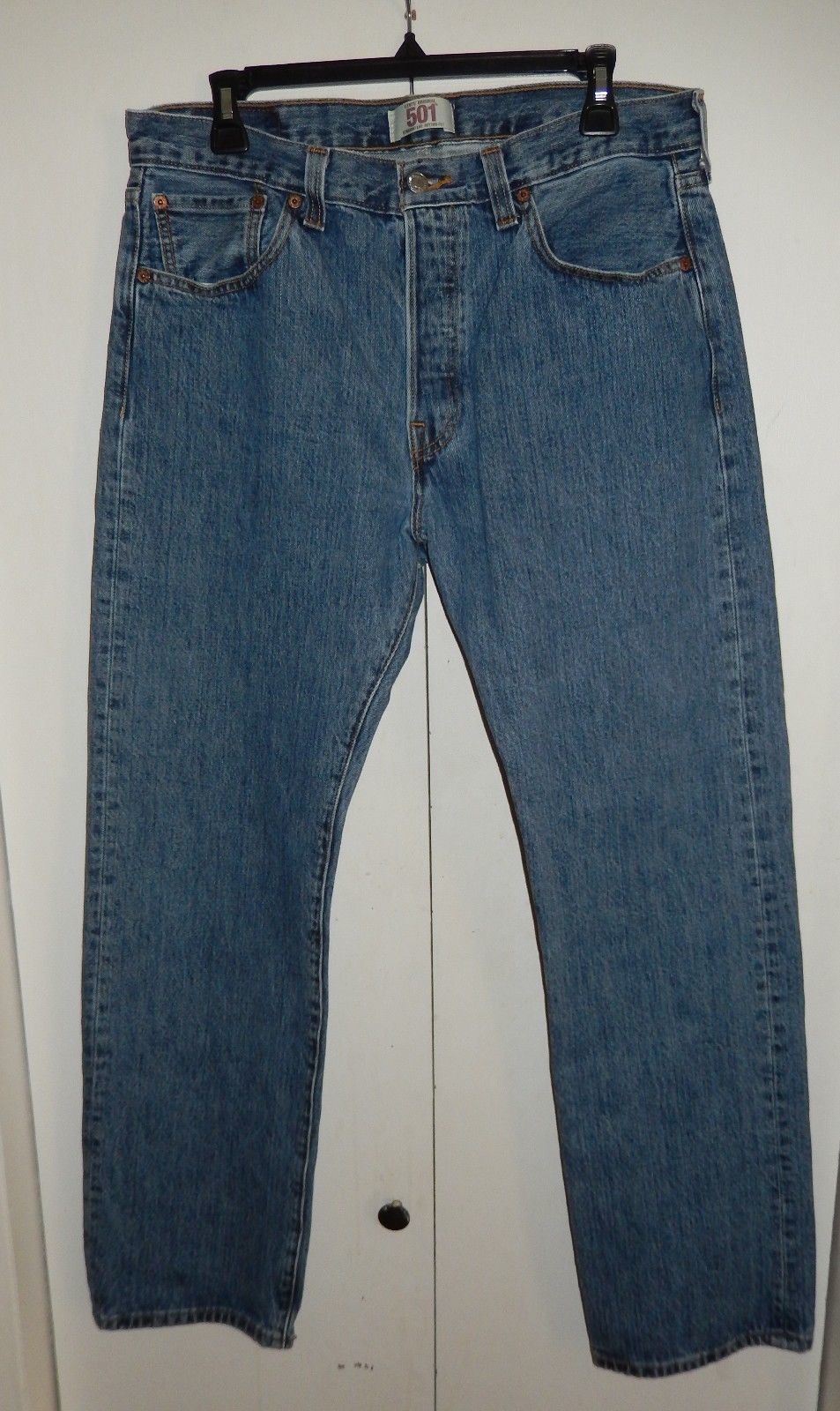 Levi's Original 501 Button Fly Straight Leg Jeans Size 34 x 31 1/2 - $21.99