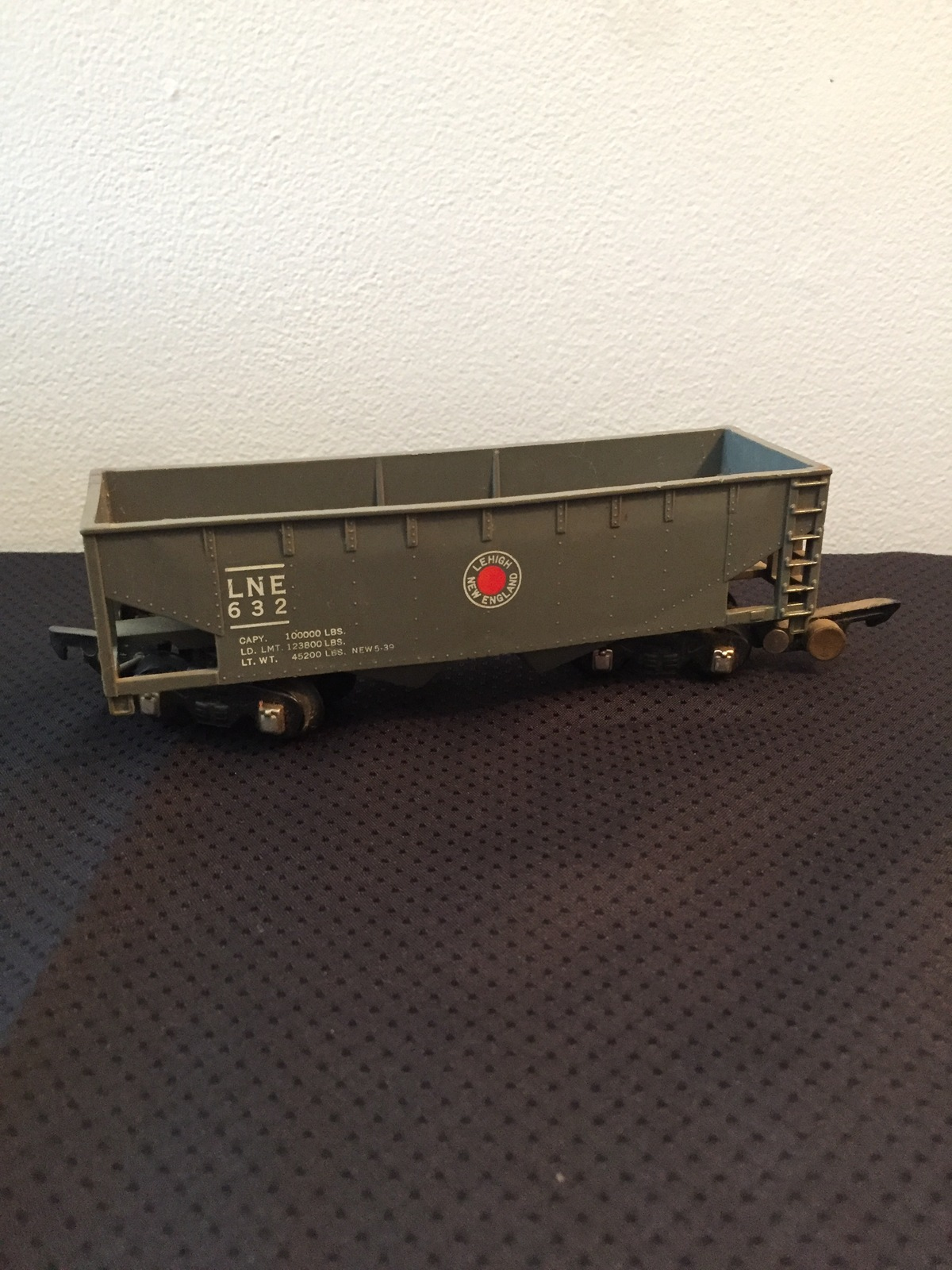 American Flyer Railroad Car #632 - LNE (Lehigh New England) grey hopper car