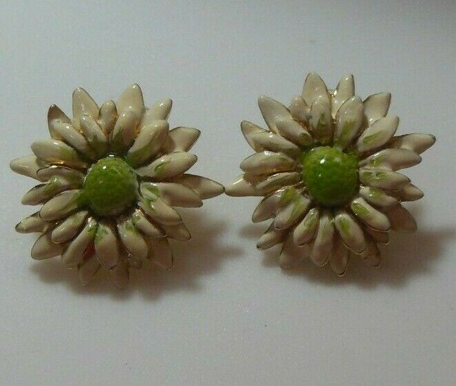 Vintage Signed E.Pearl Enamel Flower Pierced Earrings