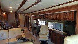 2011 Itasca Ellipse 42QD For Sale In Eugene, OR 97402 image 3