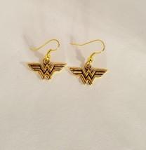 Wonder Woman Dangle Earrings Super Hero DC Comics - $5.99