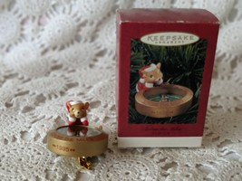 HALLMARK Keepsake 1995 ACROSS THE MILES SANTA MOUSE Compass CHRISTMAS OR... - $12.60