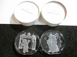 Two THE DANBURY MINT CHRISTMAS PAPER WEIGHTS 1984 1985 L2012 & L2023 - $12.86