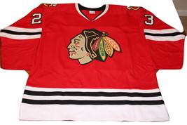 Kris Versteeg Signed Chicago Blackhawks Red (Home) Jersey (JSA COA), Sports Memo - $104.99