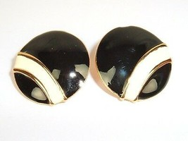 Vintage Black Cream gold Tone Round Pierced Post Earrings Mod Geo - $4.95