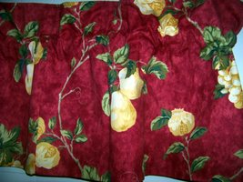 Waverly Mistral valance red  - $18.50