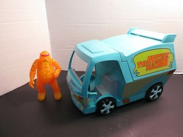 Scooby Doo The Mystery Machine Van W/10,000 Volts Ghost Figurine Thinkwa... - $19.95
