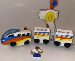 GeoTrax White Aero Grand Central Train Engine with Cars & Remote & Figure WORKS - $44.55