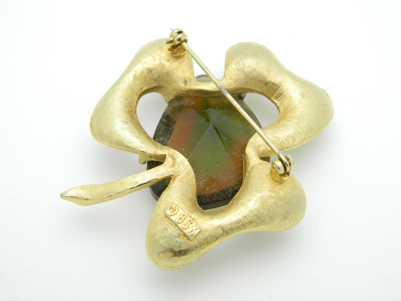 BSK Gold Tone Faceted Topaz Glass Brushed Shamrock Clover Brooch Pin Vintage