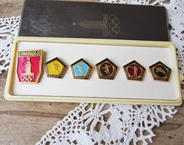 Vintage Russian Moscow Olympics Pins Full Set in Box Olympic Game Enamel... - $18.50