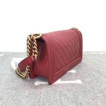 AUTHENTIC NEW CHANEL RED QUILTED LAMBSKIN MEDIUM BOY FLAP BAG GHW image 3
