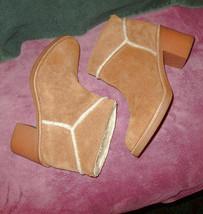 UGG AUSTRALIA Size 9 BOOTS Ankle CHESTNUT Plush SHEEPSKIN LINED Kasen SUEDE - $67.33