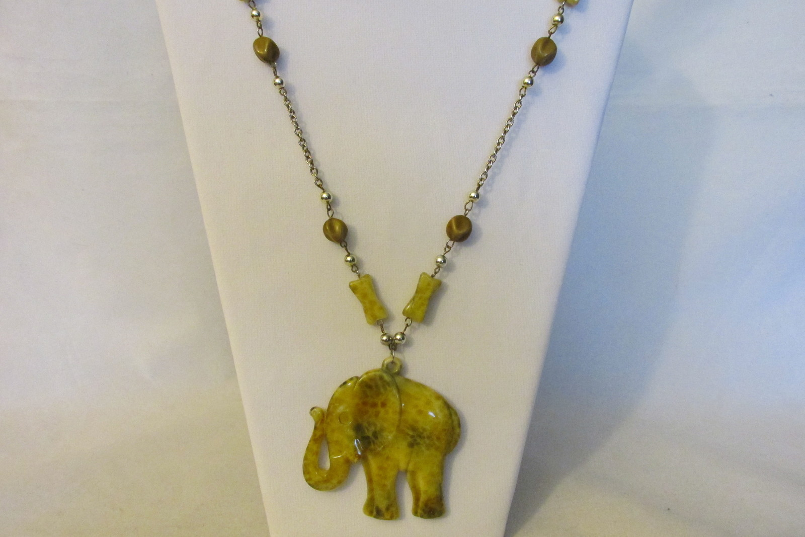Vintage Elephant Pendant Necklace - Marbled Lucite, Silver Toned Chain, Beads