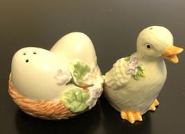 Avon China Duck Duckling Eggs In Nest Salt Pepper Shakers Easter Spring ... - $14.03