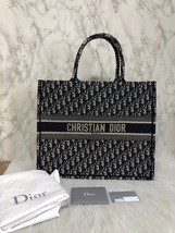 NEW AUTH CHRISTIAN DIOR 2019 CD Logo OBLIQUE BOOK TOTE BAG LIMITED RUNWAY  image 2