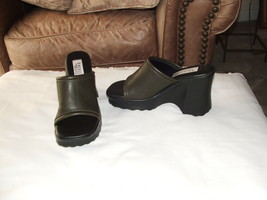 new  retro AMERICAN EAGLE dark olive  slide shoes size 5.5 m - $21.29