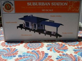 HO scale Bachmann sealed in bag Plasticville 45173 Suburban Station  - $16.36