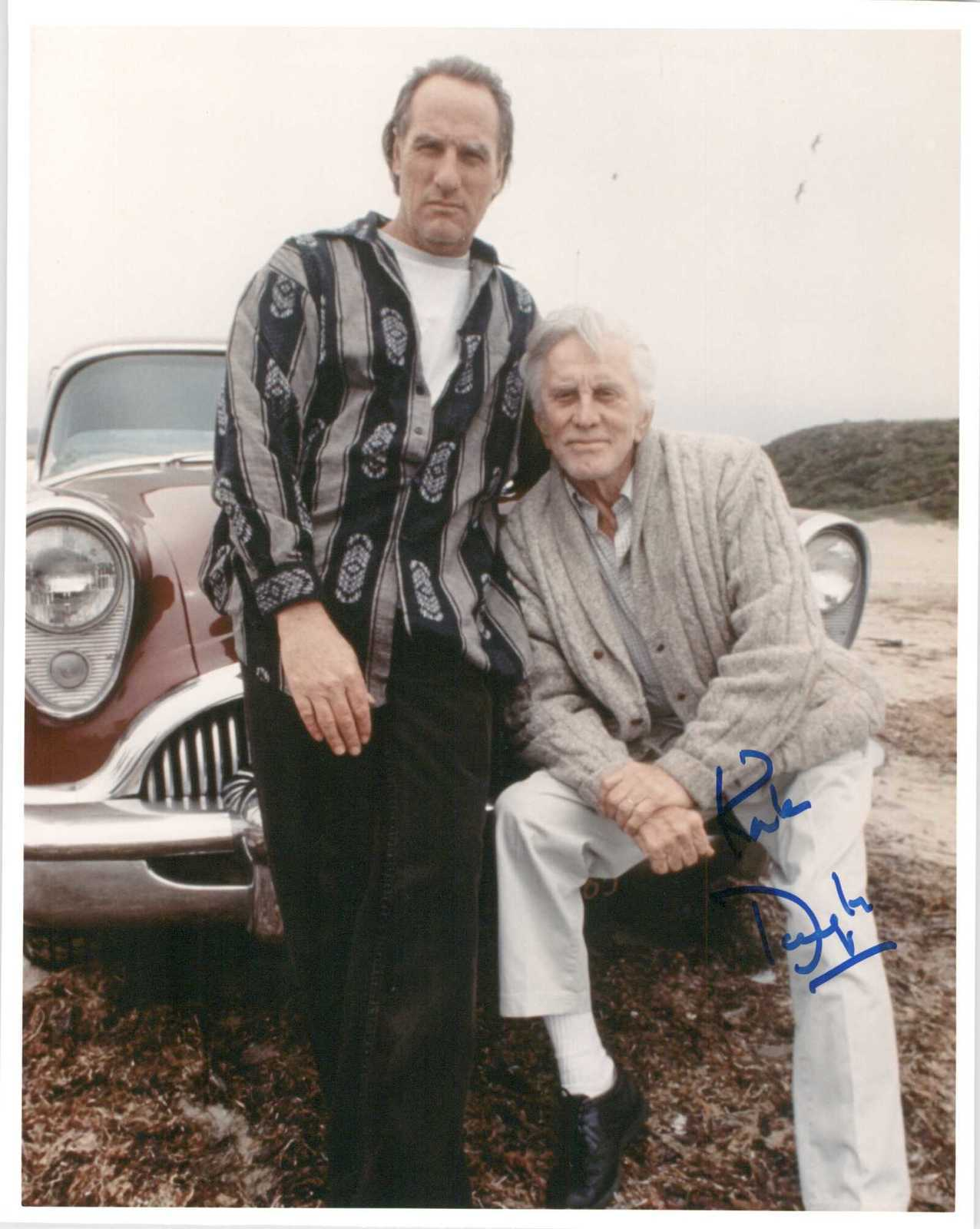 Primary image for Kirk Douglas Signed Autographed Glossy 8x10 Photo