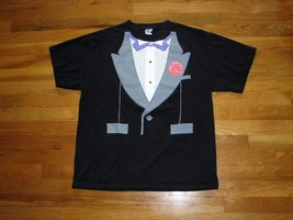 Tuxedo Tee T-Shirt Size L Printed Carnation 2 Red Buttons, Pockets Purple Collar - $10.95