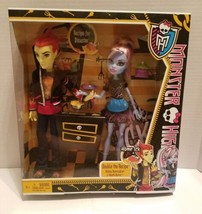 Monster High Home Ick Abbey Bominable Heath Burns Dolls Double the Recip... - $44.99