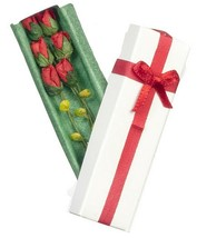 """Dollhouse Miniature Red Long Stemmed Roses in Box Red Bow 2¼"""" L x ¾"""" W 1:12 - $13.99"""