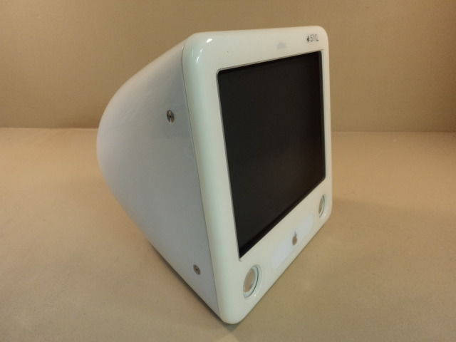 Apple eMac PowerMac 4 4 PowerPC G4 17in 700MHz 40GB Hard Drive A1002 EMC 1903