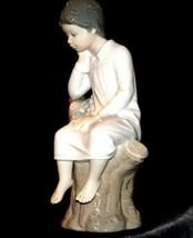 Lladro Boy Thinking on Tree Stump AA19-1633 Vintage image 2