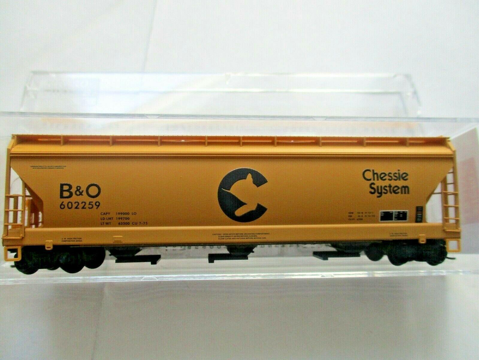 Micro-Trains # 09400660 Chessie/B&O 3-Bay Covered Hopper w/ Elongated Hatches (N