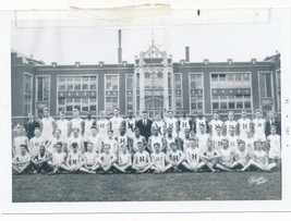 M19 Vintage Photo Snapshot 3x5 Track Team Picture Michigan 1944 Gay Inte... - $9.85