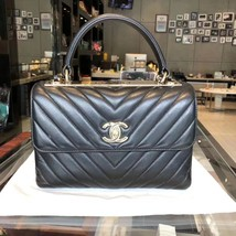 AUTHENTIC CHANEL BLACK CHEVRON LAMBSKIN TRENDY CC 2 WAY HANDLE FLAP BAG GHW - $6,211.50 CAD