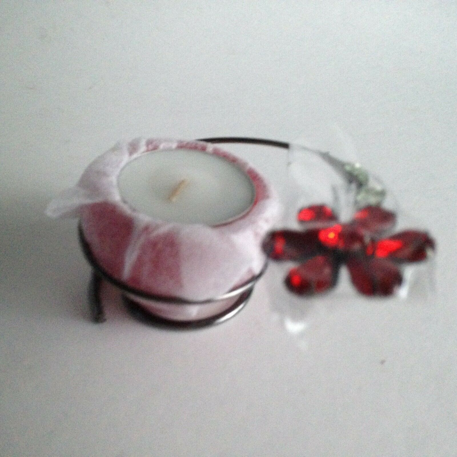 """Avon Classic Gift Collection De Cadeaux Candleholder w/Candle Red NEW 4""""X2""""X1.5"""""""