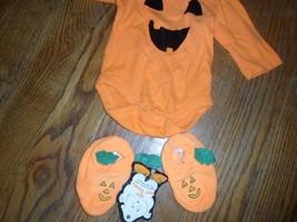 new born Halloween 1zy pumpkin Costume.orange w black face  + booties - $3.21