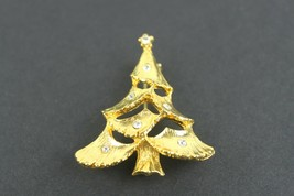 Vintage Christmas Tree Gold Tone Pin Brooch Jewelry Unsigned - $13.43