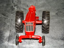 Die-cast  International Tractor Red AA19-1515 Vintage image 3