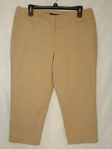 Dana Buchman Size 14 Capri Pants Skimmer Khaki Tan EUC - $9.89