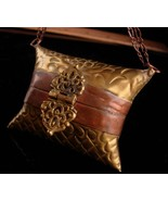 victorian wrist purse / vintage miniature pillow purse /  wristlet metal... - $145.00