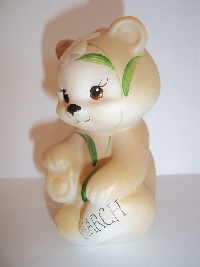 Fenton Glass March Daffodil Birthday Sitting BEAR Figurine GSE K Barley #17