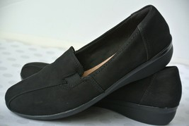 Clarks Collection Womens Sz 9 M Black Leather Slip On Loafers Flats NICE!! - $22.76