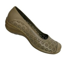 Hush Puppies Womens Size 8.5 M Tan Slip On Shoes Perforated  - $29.69