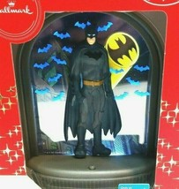 Hallmark Ornament Batman Gotham City Tree Light Up  Button Activated  Christmas - $22.27