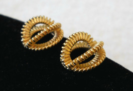 Avon Earrings Textured 3D Loop Gold Tone CHOOSE Clip or Pcd VTG 80's Art... - $12.85