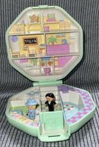 Vintage 1990 Polly Pocket Polly's School Green Case Complete - $34.99