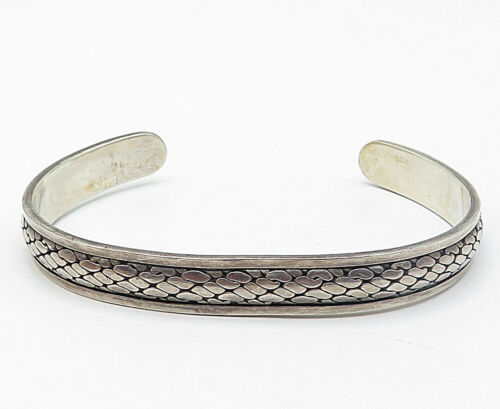 925 Sterling Silver - Vintage Cobble Stone Detailed Cuff Bracelet - B5033