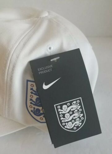 NIKE HURLEY ENGLAND NATIONAL SOCCER TEAM OSFA WHITE SNAPBACK DAD TEAM HAT