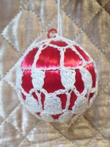 Festive Red Satin Ball Christmas Tree Ornament w/ White Crocheted Cover ... - $6.99