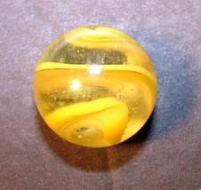 VINTAGE AKRO AGATE CORKSKREW SPIRAL SNAKE YELLOW MARBLE 5/8 INCH - $7.91