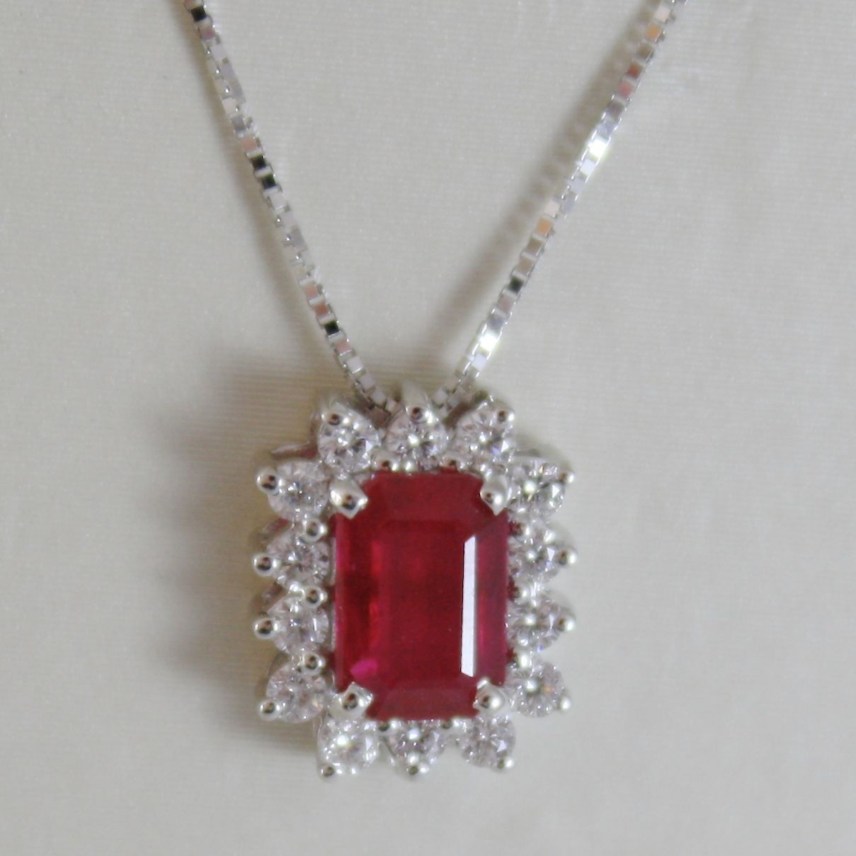 18K WHITE GOLD FLOWER NECKLACE DIAMOND & EMERALD RED RUBY 0.92 MADE IN ITALY
