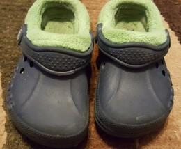 blue crocs toddler boys girls 6/7 insulated - $18.50