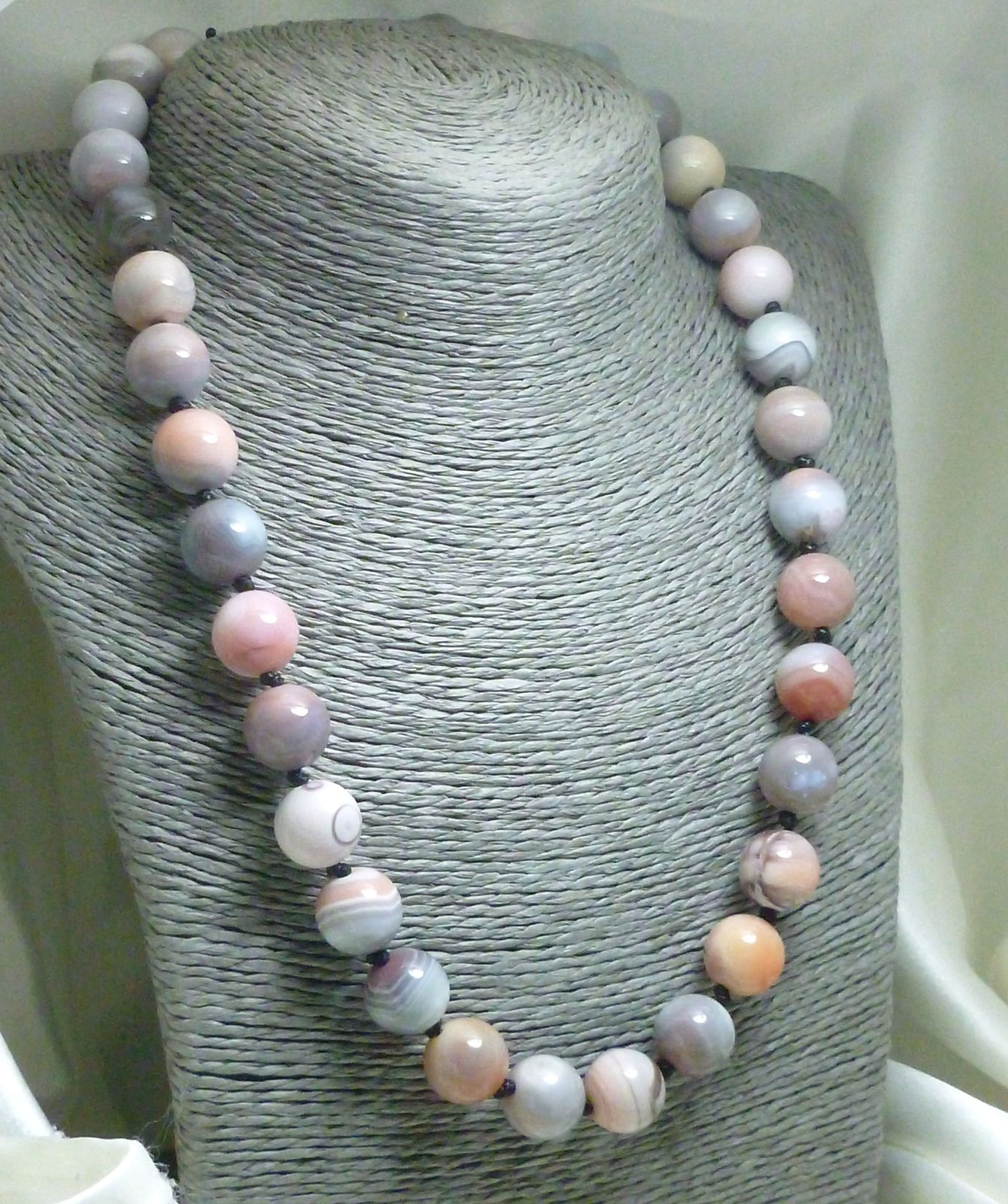 Pink Botswana Agate Gemstone Round Beaded Necklace 20 inch